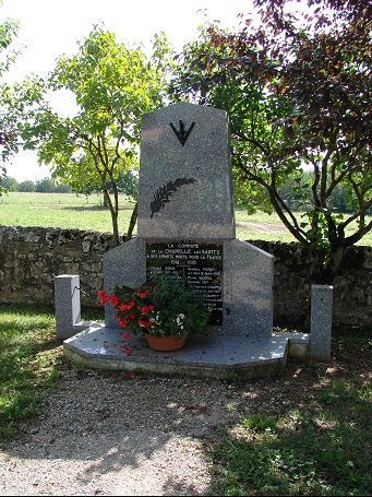 Le monument aux morts de la Chapelle aux Saints